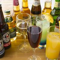 ボトルワイン充実!もちろんノンアルコールやソフトドリンクも。