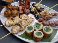 おすすめの串が楽しめる『串焼き12本盛り』2,600円(税込)