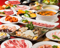 国産牛カルビ、海鮮盛り合わせ、〆の冷麺まで食べ放題!
