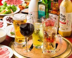 焼肉との調和がとれたお酒を厳選。マッコリ、赤ワイン、ビール有