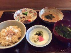 日本の伝統的な和食を細部にまでこだわってご提供いたします。