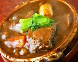 土鍋で味わう絶品シチュー!! ご飯と相性ばっちり。