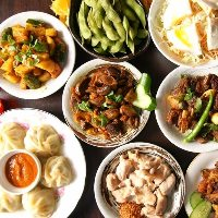 羊肉を使ったネパールのおつまみ料理がいろいろ楽しめる!