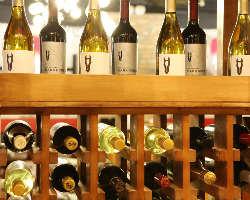 ワインは赤を中心にお肉に合うものをセレクトして20種類程常備