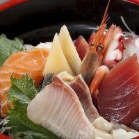 【漁師さん直送】 鮮度抜群の海鮮料理も人気の一品!