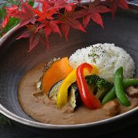 ◇一品料理◇ 彩り鮮やかな食材をお楽しみいただけます