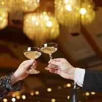 ご宴会プラン限定で乾杯のドリンクサービスなどの嬉しい特典有