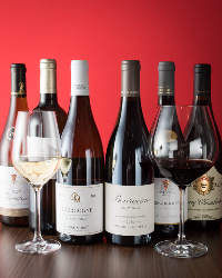 ワインはフランスワインを中心に200本常備。