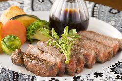 お肉の焼き加減が絶妙!季節野菜とお肉の炭火焼