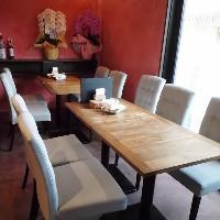 ゆったり座れるテーブル席 8名様までご利用可!