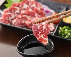 【熊本県産馬刺し】 上質な馬肉の旨味をダイレクトに味わえます