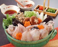 ご宴会に最適なコースは、お造りやお鍋など旬の和味覚を凝縮。