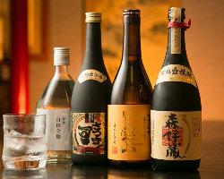 素材の味にこだわり抜いた和料理と絶品銘酒のペアリングを堪能。