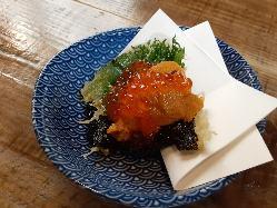 ウニいくらが 豪快にのっている天ぷら340円