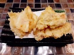 サクッとした食感と素材の旨味を堪能できる名物「江戸天ぷら」