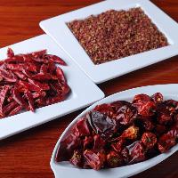四川料理に欠かせない唐辛子と花椒はもちろん四川産を使用