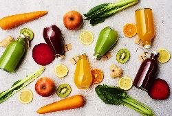 有機野菜・果実をしぼりたてのコールドプレスジュース