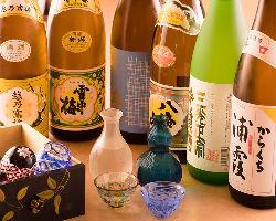 日本酒、焼酎など銘酒を各種取り揃え。料理に合せてご堪能下さい