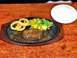 『那須野ヶ原牛の煮込みカレー 』 旨味が凝縮したカレーです。