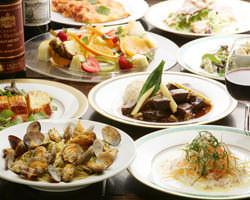 飲み放題と季節の料理がズラリと 並んだプランは4320円~!