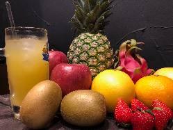 季節のフレッシュ果実をサワーでいかがですか?