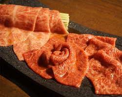 肉の旨味を引き立てるタレは素材の状態に応じて味付けも変える