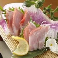 毎日豊洲から仕入れる新鮮な旬魚のお刺身はお奨め!