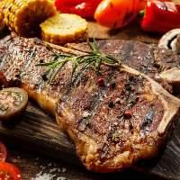 肉バルならではの熟成肉からサーロインまで存分に楽しめます