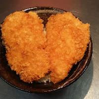 秩父名物のわらじbowl(丼)は、肉汁溢れる美味しさです!