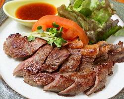 がっつり食べたい方におすすめの「牛ステーキ」