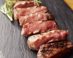 噛むほどに凝縮した旨みと肉汁の美味しさを堪能いただける牛たん