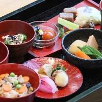 季節の野菜をたっぷりご堪能いただける豊受神饌御膳コース。