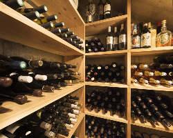 オーナーソムリエが選ぶ、こだわりのワインを豊富にご用意◎