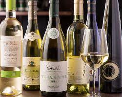 牡蠣や料理を引き立てるワインや焼酎などドリンク類も豊富です!
