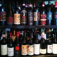 厳選したワインは、飲み頃を見計らってご提供します。