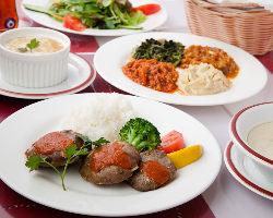 シェフが丁寧に仕込んだ本場のトルコ料理をお楽しみ下さい!
