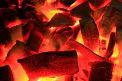 備長炭を使用して焼き上げることで、さらに美味しい仕上がりに