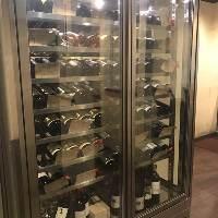 厳選されたワインや日本酒、カクテル、サワーなどドリンクも豊富