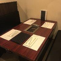 大人数でもOKなお座敷席個室、テーブル席、カップルシート完備