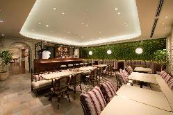 【カフェスペース】開放感あるカフェスペースも併設