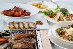 お料理のコースは1,900円からご用意あります。