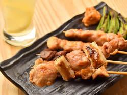 鳥取県産の新鮮な大山鶏は肉厚でジューシーな味わいが特徴