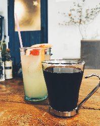 オリジナルコーヒーからソフトドリンク、アルコールまで