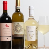 風味豊かな選りすぐりのワインをご用意しております。