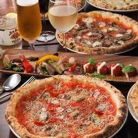 窯焼きピッツァはご宴会などにも最適な一品。