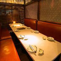 宴会コースは飲み放題付きで2,980円から用意。食べ放題も用意。