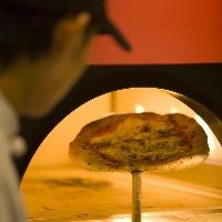 ナポリ風ピッツアを中心に、極上のイタリアンをご提供。