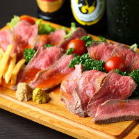 お肉料理が大人気!