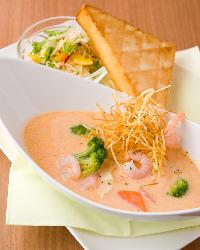 スープ料理は特に女性お客様に人気です!