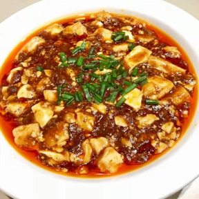 宴会個室×100品食べ放題 易福菜館